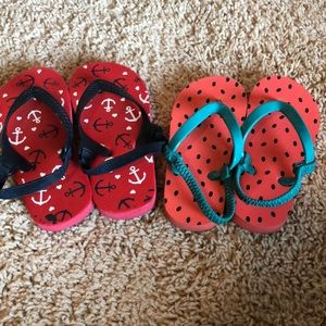 4/$12 Two pairs of size 7 toddler flip flops